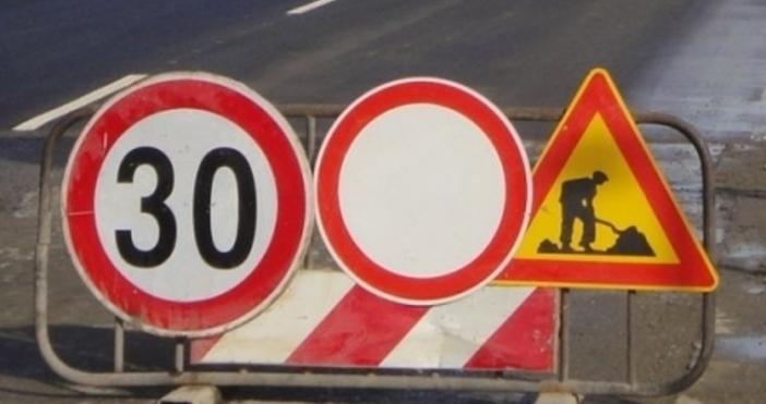"""Движението па автомагистрала """"Черно море""""област Варна се осъществява двупосочно в"""
