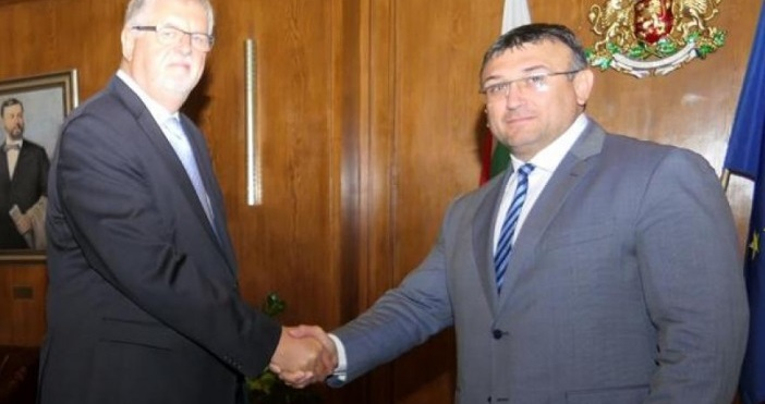 Вътрешният министър Младен Маринов се срещна с посланика на Германия