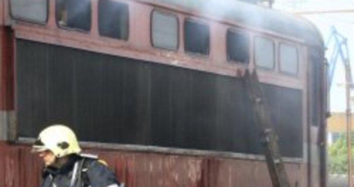 Снимка БулфотоЛокомотив пламна на гарата на Горна Оряховица, съобщава Нова