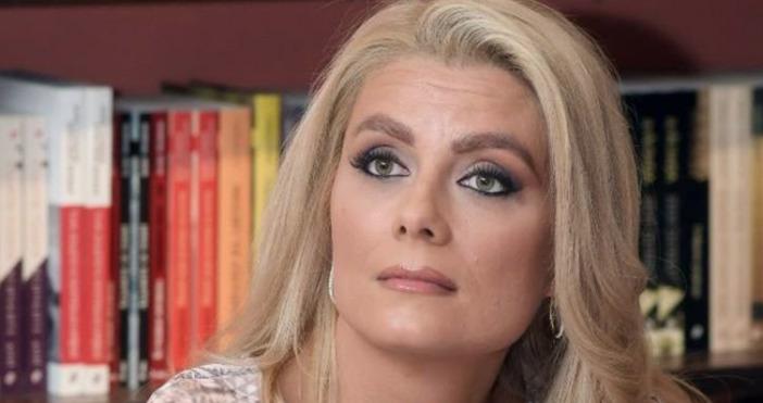 Популярната телевизионна водеща Вевнета Райкова публикува снимка в Инстаграм, с