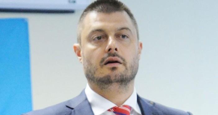 В личния си профил във фейсбук Николай Бареков призова Красимир