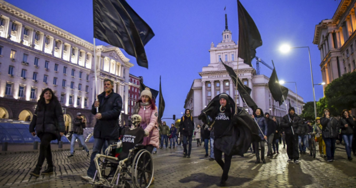 Снимка: Булфото15-и пореден ден продължава протеста на майки на деца