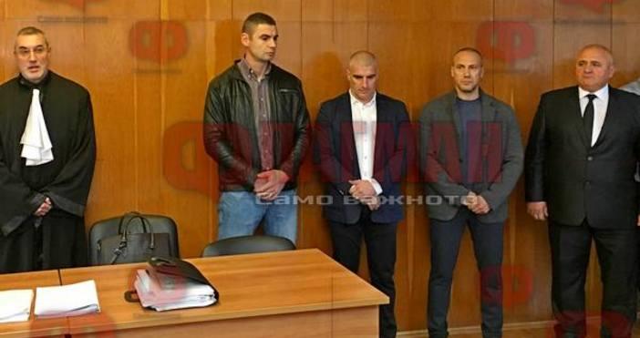 Снимка: ФлагманБългарските гранични полицаи Михаил Цонков, Николай Костов, Николай Петков