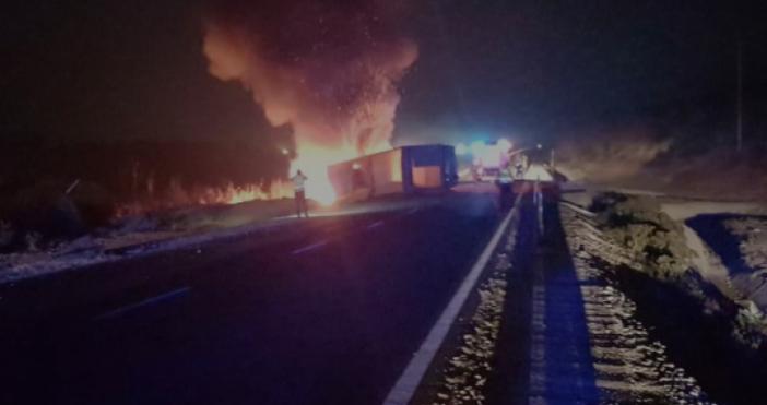 Снимка:BulNewsТежък пътен инцидент е станал преди минути край Козлодуй, научи