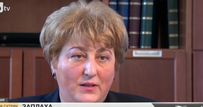 Адвокат Ирена Савова, на която бяха разлепени некролози около дома