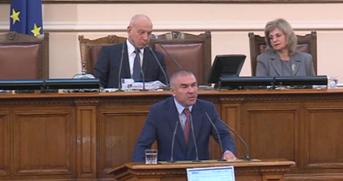 Кадър: Канал 3Зам.-председателят на Народното събрание Веселин Марешки обяви току