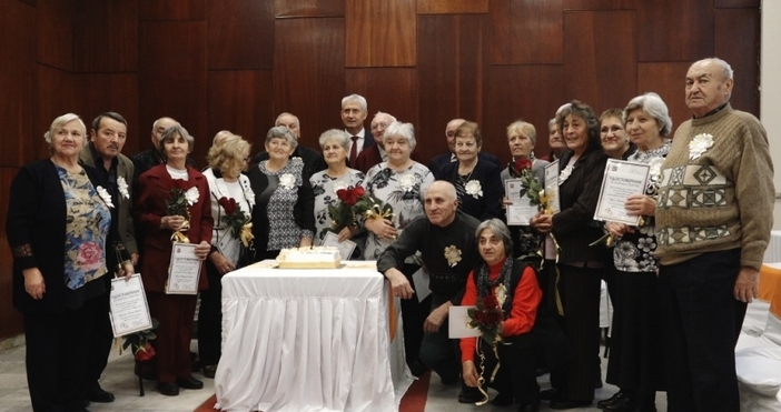 11 двойки от община Мездра отпразнуваха златна сватба в Деня