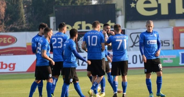 Треньорът на Черно море Илиан Илиев определи групата за последния