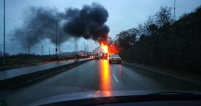 снимка: Милен Мирчев,Виждам те КАТ - ВАРНАБоклукчийски камион се е