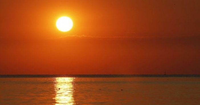 БНТМиналата година е била четвъртата най-топла, откакто се води статистика,