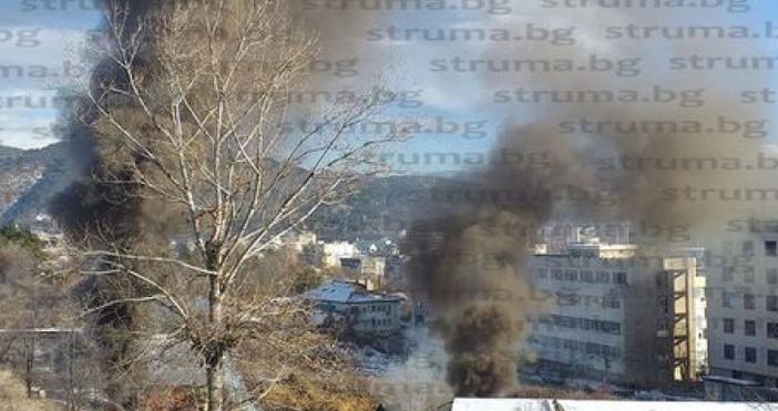 Снимка:struma.bgОгнен инцидент вдигна на крак пожарните екипи в Благоевград. Възпламени