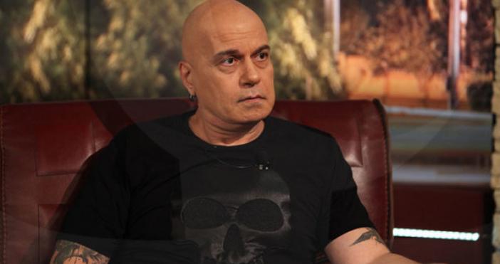 След трудната раздяла с комика Виктор Калев, шоуменът Слави Трифонов