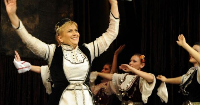 Щерката на пиринския славей Николина Чакърдъкова – Мария, роди здраво
