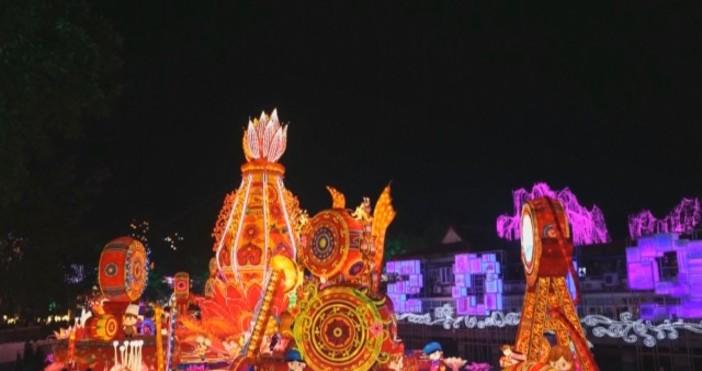 Броени дни до настъпването на Китайската нова година. В град