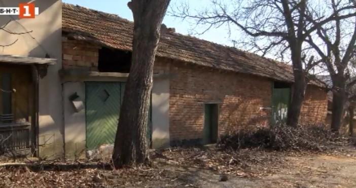 БНТКрадци ограбиха и пребиха възрастен мъж от павликенското село Сломер.