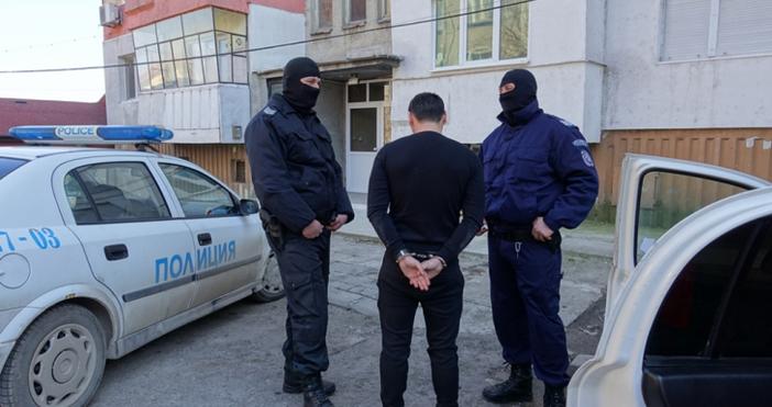 Снимка: Уникални снимки и видео от преследване на бандит, започнало на АМ Хемус и завършило в Шумен