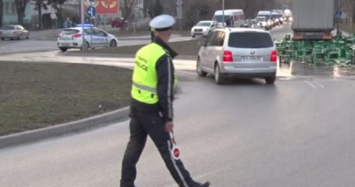 БтвИнцидентът стана на натоварено кръстовище в пиков часТИР разсипа 30
