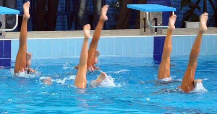 Снимка: Аква спорт триумфира в артистичното плуване. Торпедо е №2