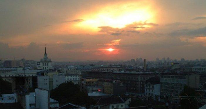 Снимка: Денят започва с много хубаво време, вечерта идват облаци и вятър