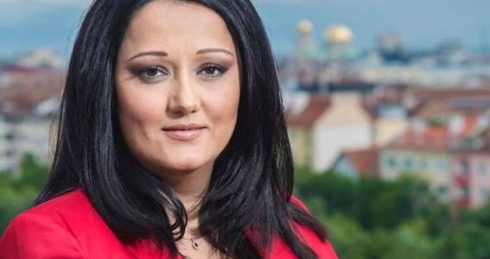 Снимка: С една снимка Лиляна Павлова издаде голяма парламентарна и лична тайна!