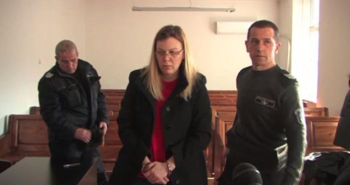 Снимка: Адвокатът на банкерката, обвинена в източване на сметки: Клиентката ми е имала второстепенна роля