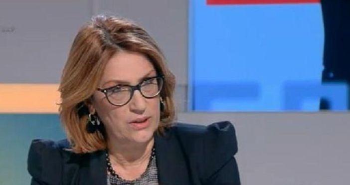 Според политолога и бивш депутат от БСП Татяна Буруджиева правилникът