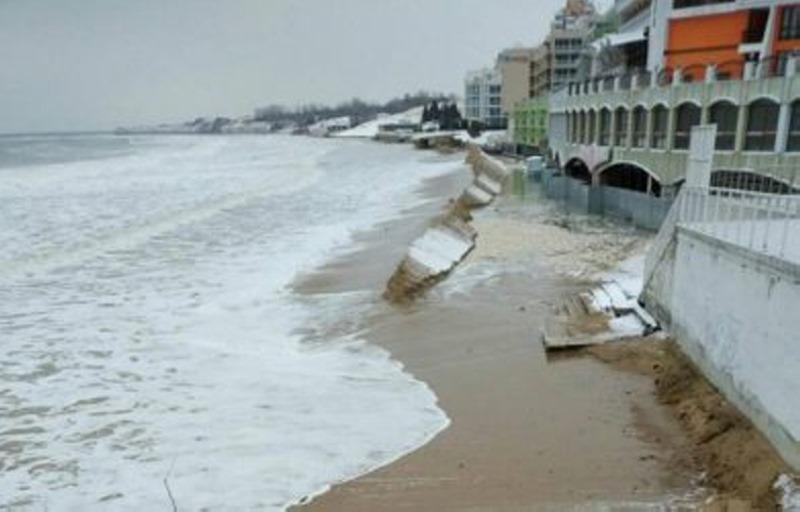 4059 %20512x%20800 - Морето си връща обратно застроените плажове.  Влезе в първите етажи на хотели - СНИМКИ