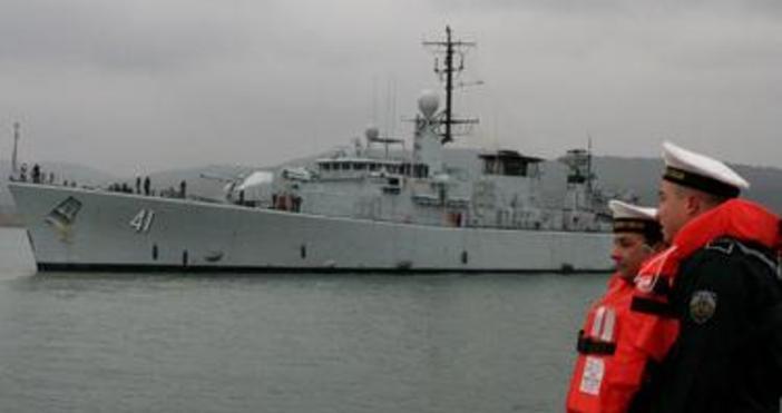 Снимка БулфотоКораби на руския Черноморски флот проведоха съвместно учение с