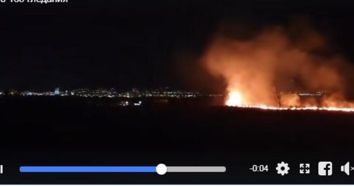 В мрежата се появи зрелищно видео от пожара, който тази