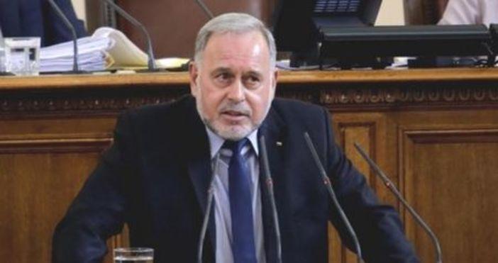 """Депутатът Славчо Велков от """"БСП за България"""" изненадващо подаде оставка,"""