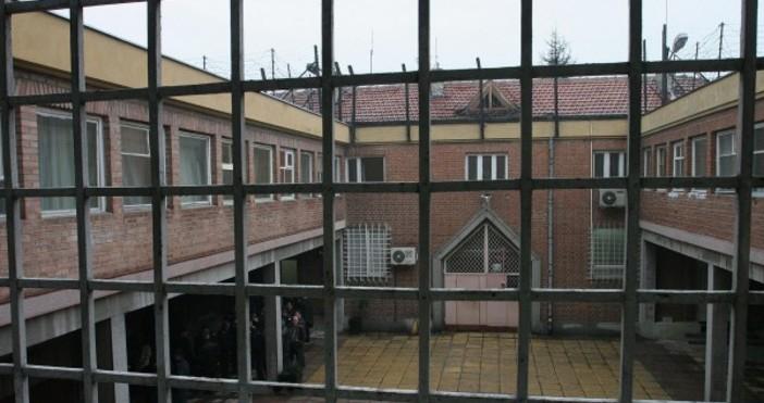 Снимка: Булфото, архив185 затворници са се преквалифицирали, стават машинисти и