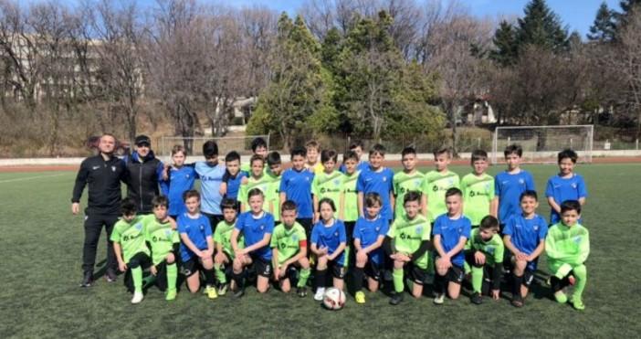 11 мача изиграха талантите от различните възрастови групи от школата