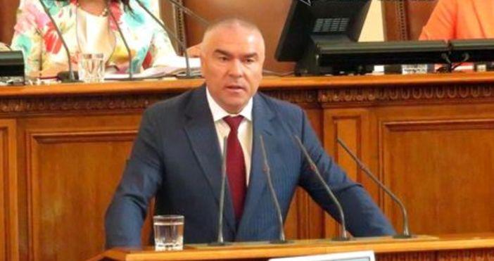 """Снимка ФлагманПредседателят на партия """"Воля"""" Веселин Марешки цитира по куриозен"""