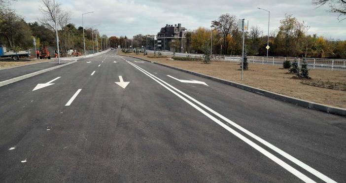 """Снимкаlive.varna.bgИзграждането на пътна автомобилна рампа към автомагистрала """"Хемус"""" налага отчуждаване"""