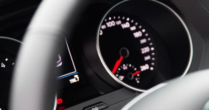 Снимка: Засякоха шофьор да хвърчи с 277 км/ч по магистрала Струма