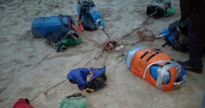 Снимка: Сак, подобен на намерените край Тюленово, е изплувал в морето край КК Слънчев ден