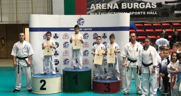 Страхотен успех записаха малките състезатели на варненския клуб по карате