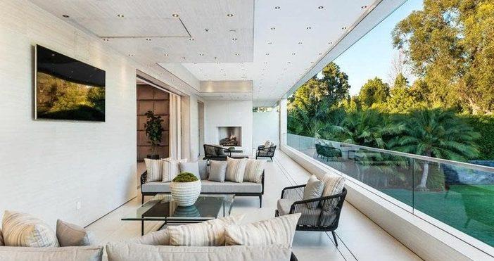 """Снимка: Фотогалерия: Как изглежда имотът, който """"мистериозен българин"""" купи в САЩ за над $34 милиона"""