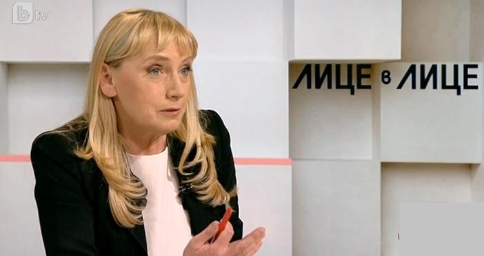Елена Йончева отговори за пореден път на въпроса дали има
