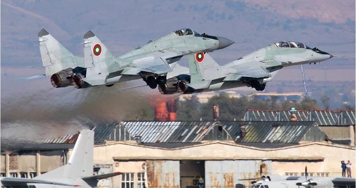 снимка: Антон Балъкчиев, Български военновъздушни силиПо случай честването на Деня