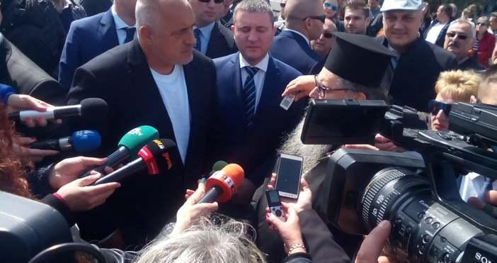В момента Бойко Борисов и финансовият министър Владислав Горанов са