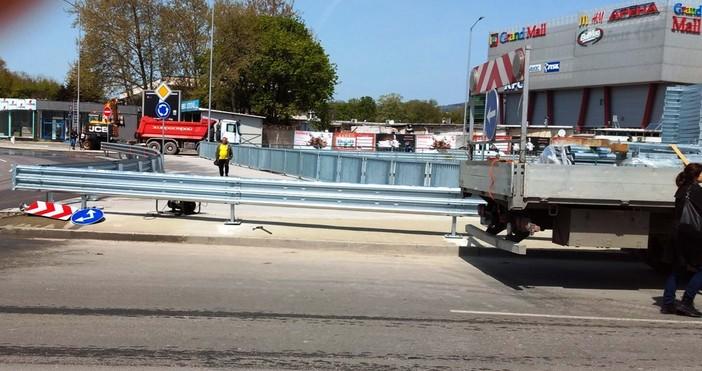 снимка: Иван АбрашевДнес забелязах, че на северния мост на бул.