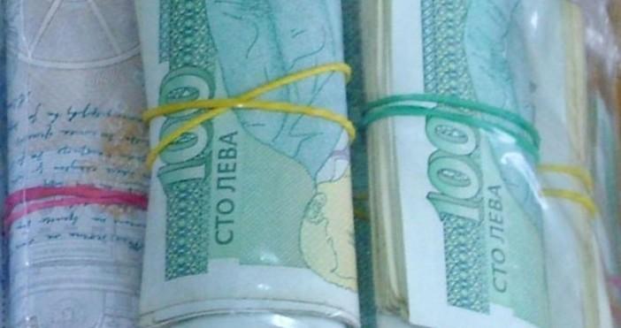 Снимка: БулфотоНад 13 хиляди лева месечна заплата ще получават бъдещите