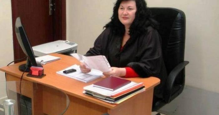 Адвокат Мария Славкова - Делова в момента е в ареста.