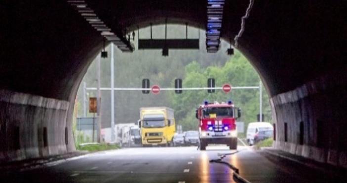 Снимка БулфотоЖена е пострадала при лека катастрофа в тунел