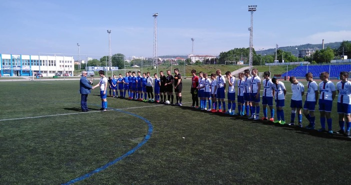 Футболните таланти на Спартак, родени през 2004 година, получиха Купата
