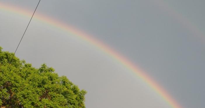 Дъга се появи в небето над Варна след поредните порции