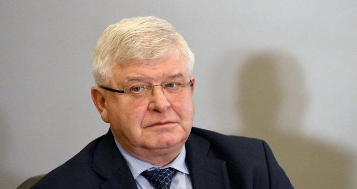 Снимка БулфотоЗдравният министърКирил Ананиев изпрати в Агенцията по обществени поръчкиза