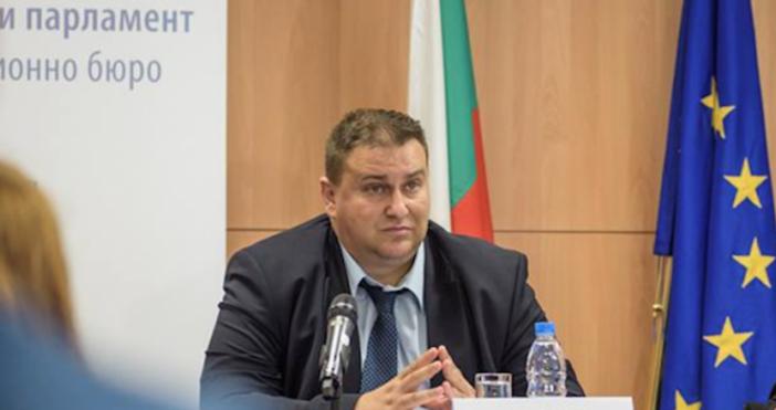 Снимка БулфотоЕмил Радев от ГЕРБ вече е евродепутат, това реши