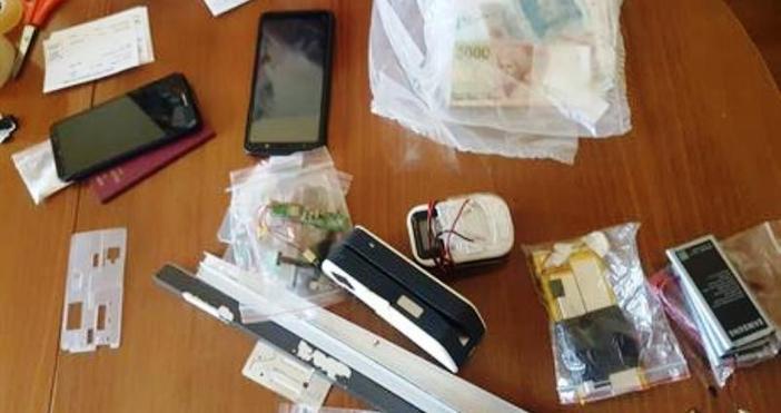 Снимка: Удар на полицията във Варна! Заловиха мъж с голям брой устройства за източване на банкови карти и банкомати